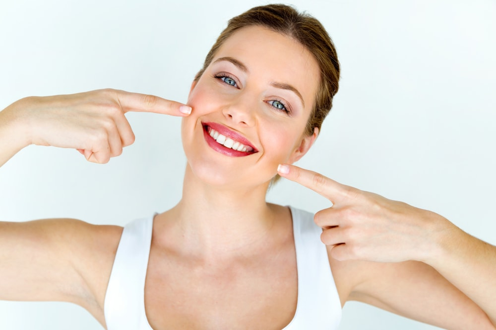 Whiten Your Teeth Naturally, Trend Health