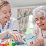 Benefits of Art Therapy for Seniors, trend health